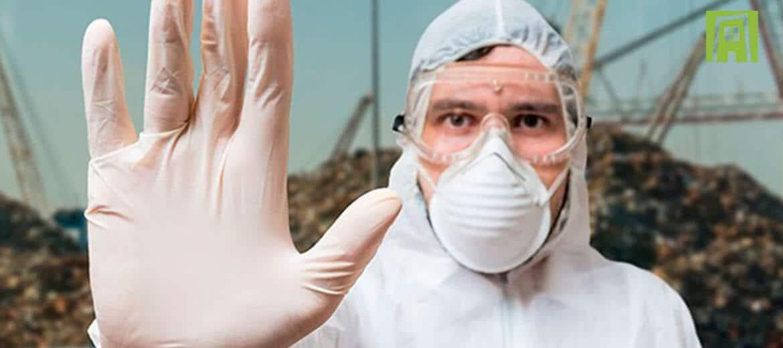 ¿Quién se encarga de los desechos químicos tras una emergencia en una comunidad?